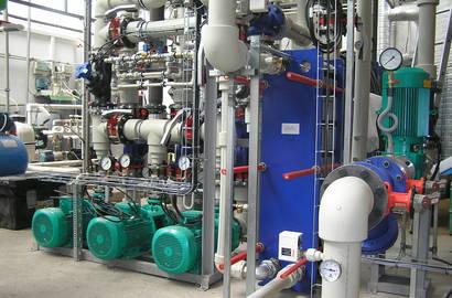 rozebíratelný deskový výměník Alfa Laval ve freecoolingové instalaci pro snížení provozních nákladů