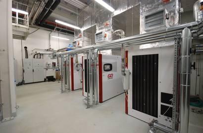 kompresorová stanice s kompresory Gardner Denver s využitím odpadního tepla  (vč. izolace vzduchotechnického potrubí)