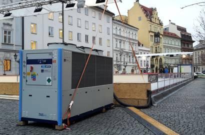 zapůjčená chladící jednotka MTA k ledové ploše
