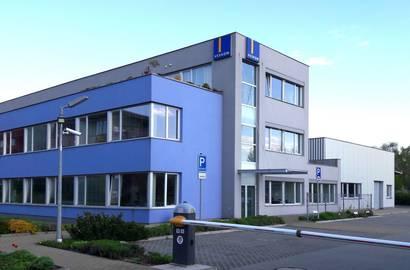 Provozně-administratiní budova společnosti Veskom