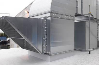 Vzduchotechnika na střeše kompresorové stanice