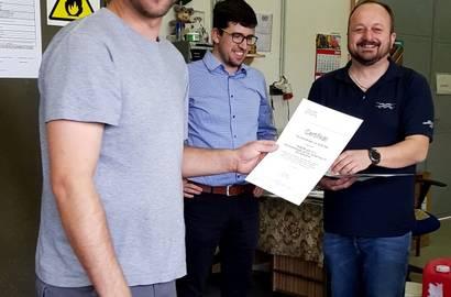 školení čištění výměníků - předávání certifikátů