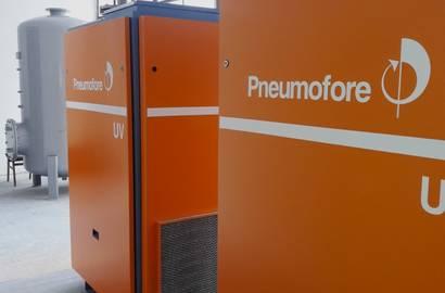 Lamelové kompresory Pneumofore  UV16 VS30 a vzdušník